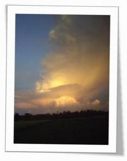 awan-menyala.jpg